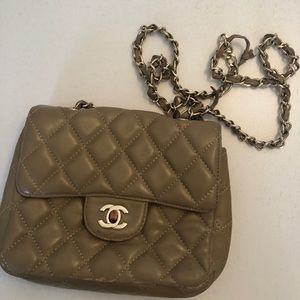 Authentic Chanel crossshoulder leather vintage bag